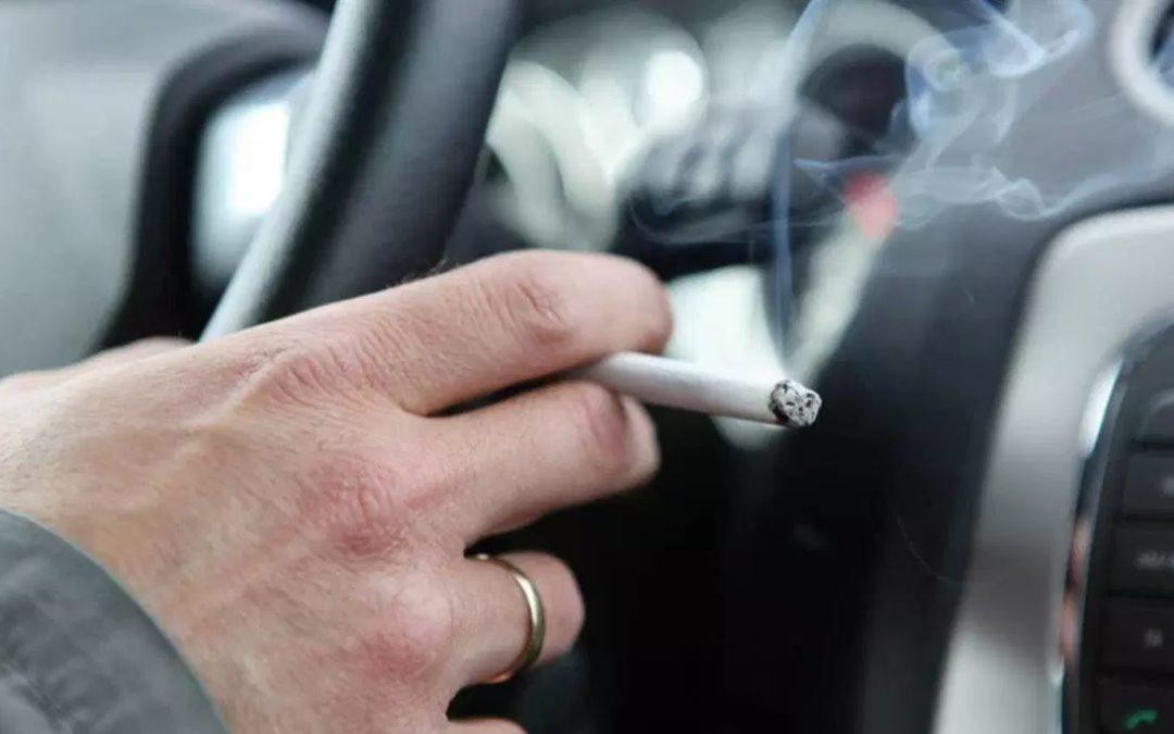 Divieto di fumo in auto: possibile riforma del Codice Stradale