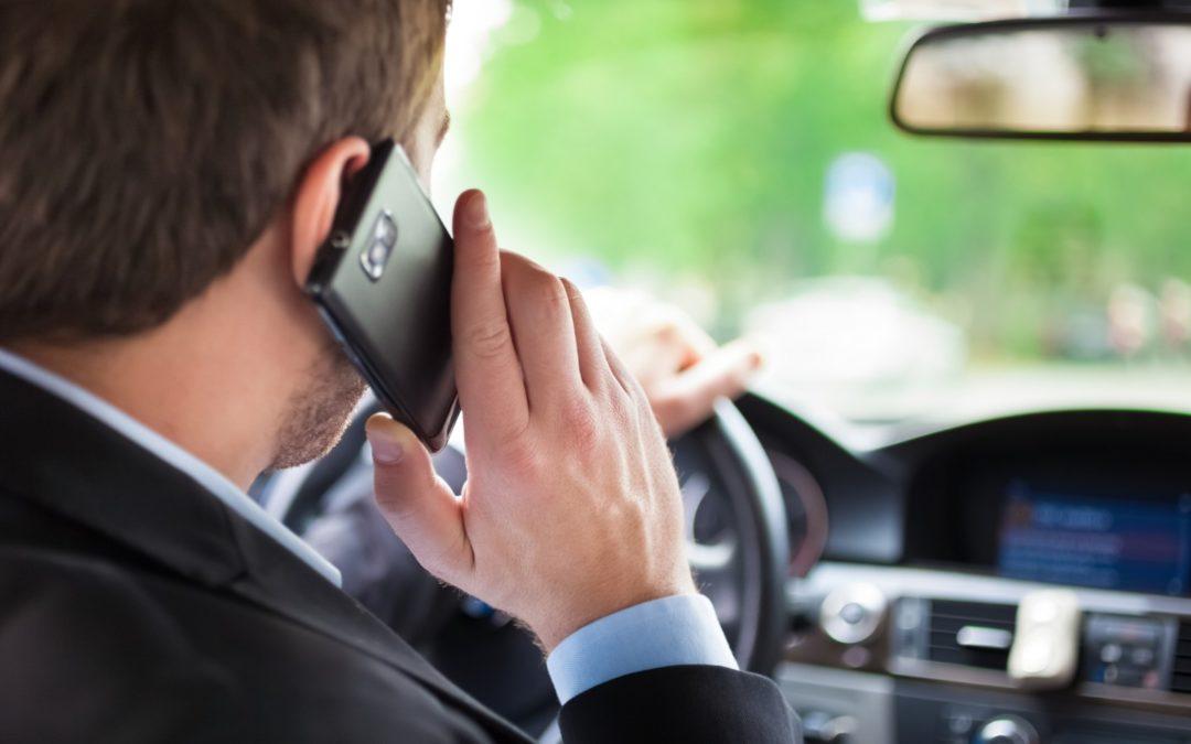 Sospensione patente per uso del cellulare alla guida
